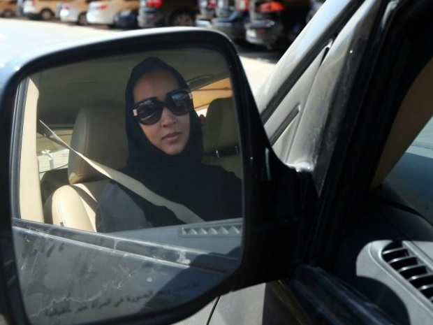 """Saudi Arabia: MP discuss a bill to """"foster an environment conducive to legalize female driving."""""""